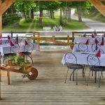 slovenia-eco-resort-restavracija-na-odprtem-03.jpg