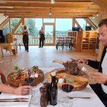 slovenia-eco-resort-restavracija-na-odprtem-07.jpg